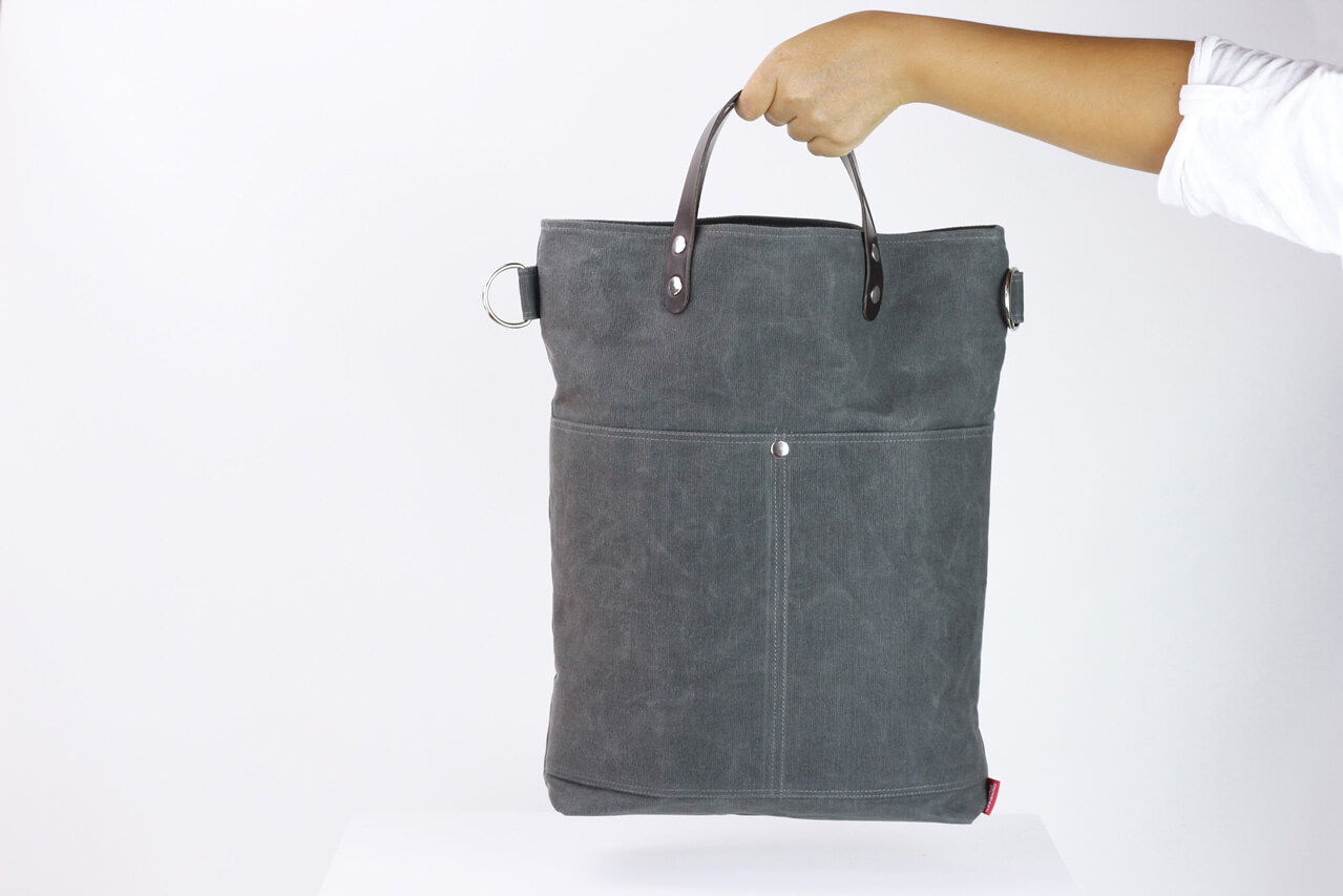 288000ba5e60 Waxed tote bag with short leather handle