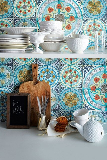 Mediterranean Decor Using Colour And Pattern
