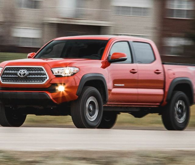 2019 Toyota Tacoma Reviews Toyota Tacoma Price Photos And Specs Car And Driver