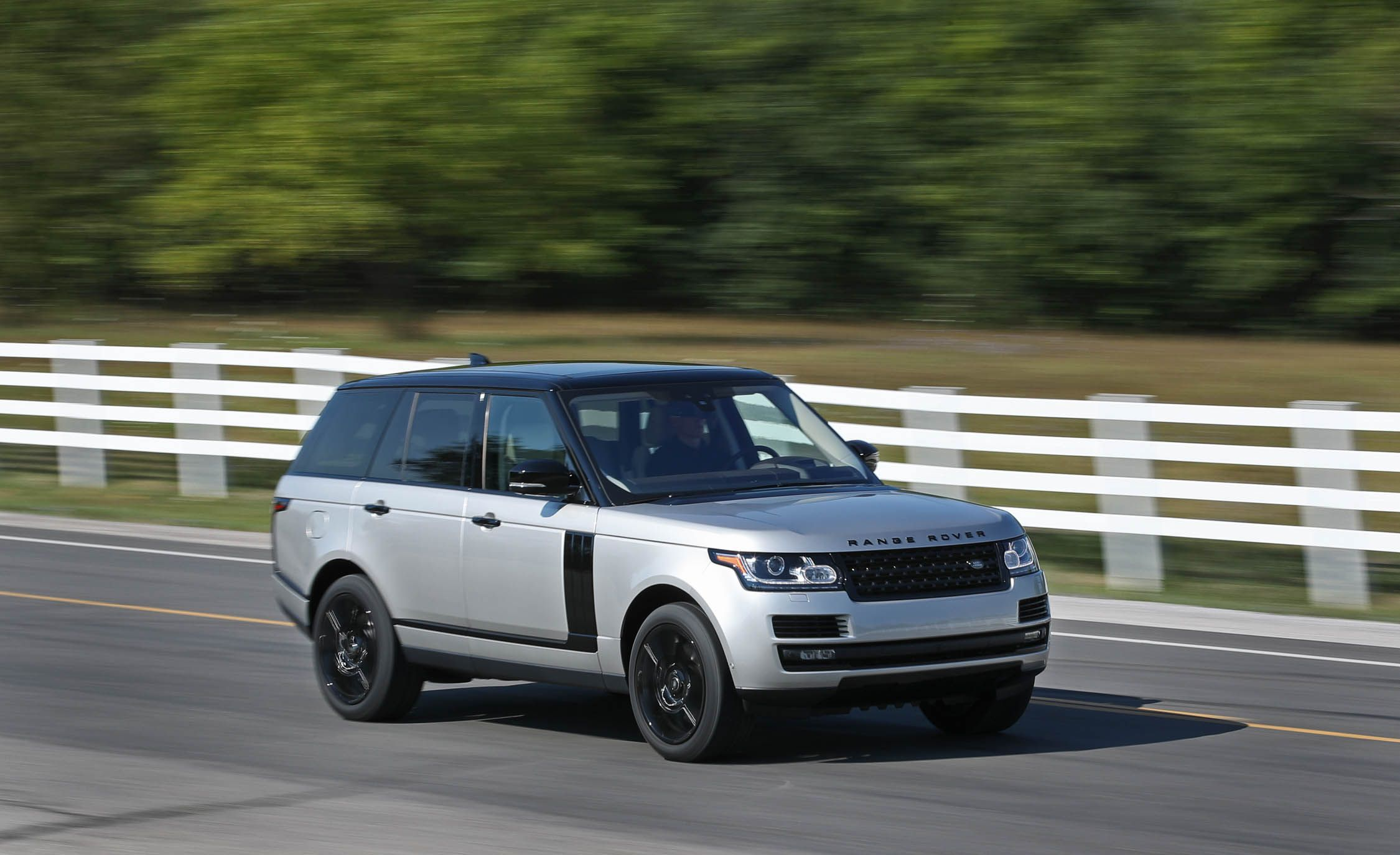 2017 Land Rover Range Rover Gallery
