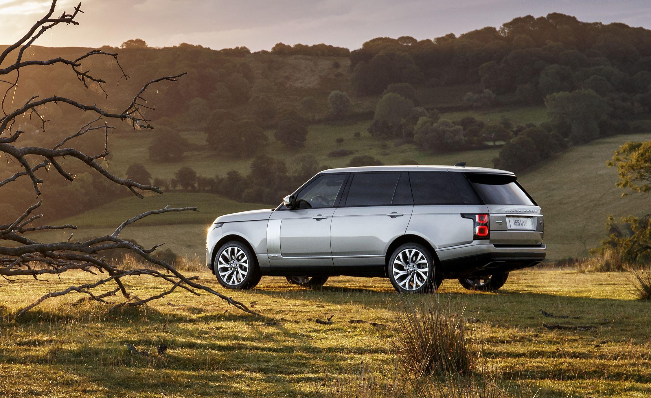 2019 Land Rover Range Rover P400e Gallery