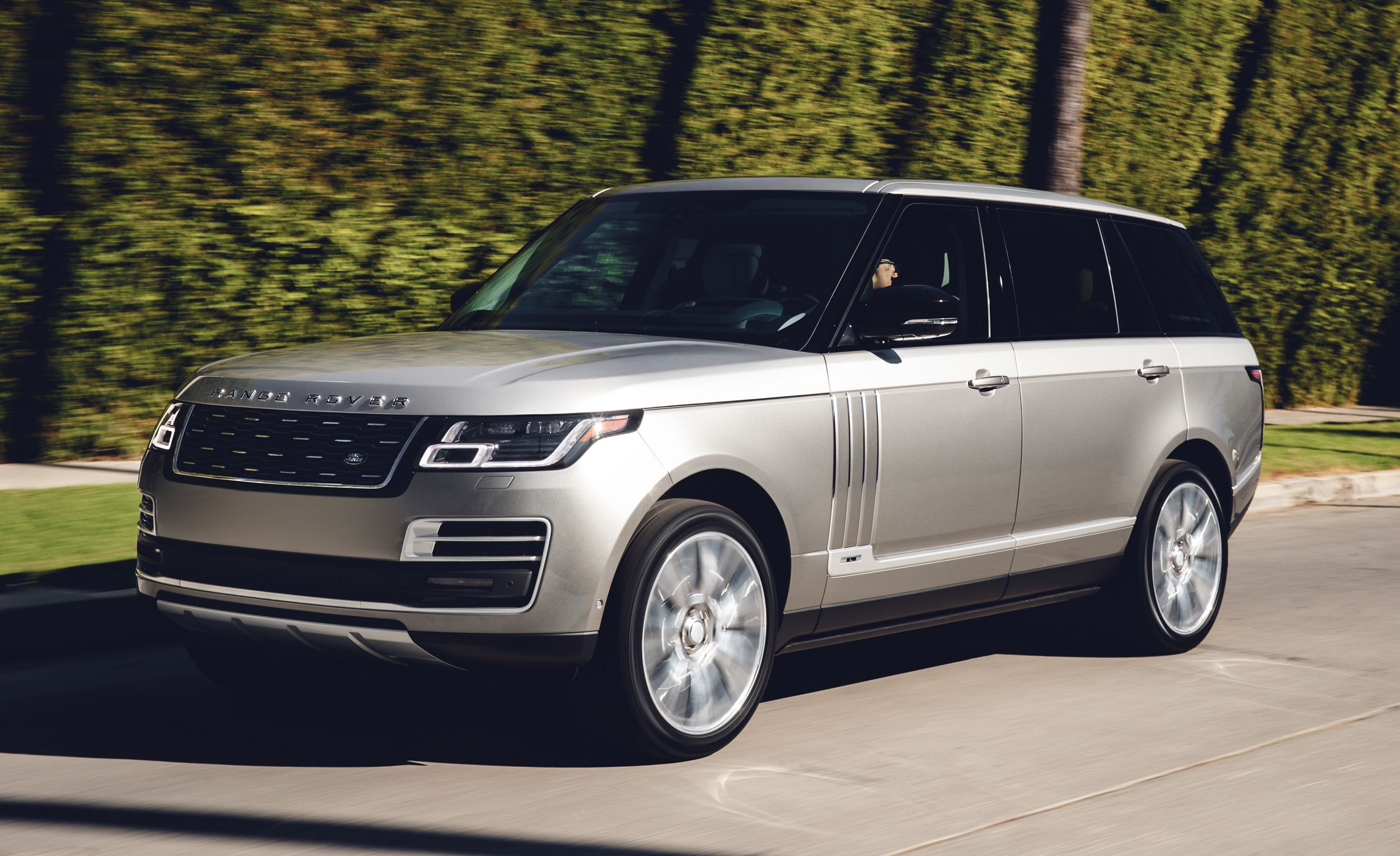2018 Land Rover Range Rover Gallery