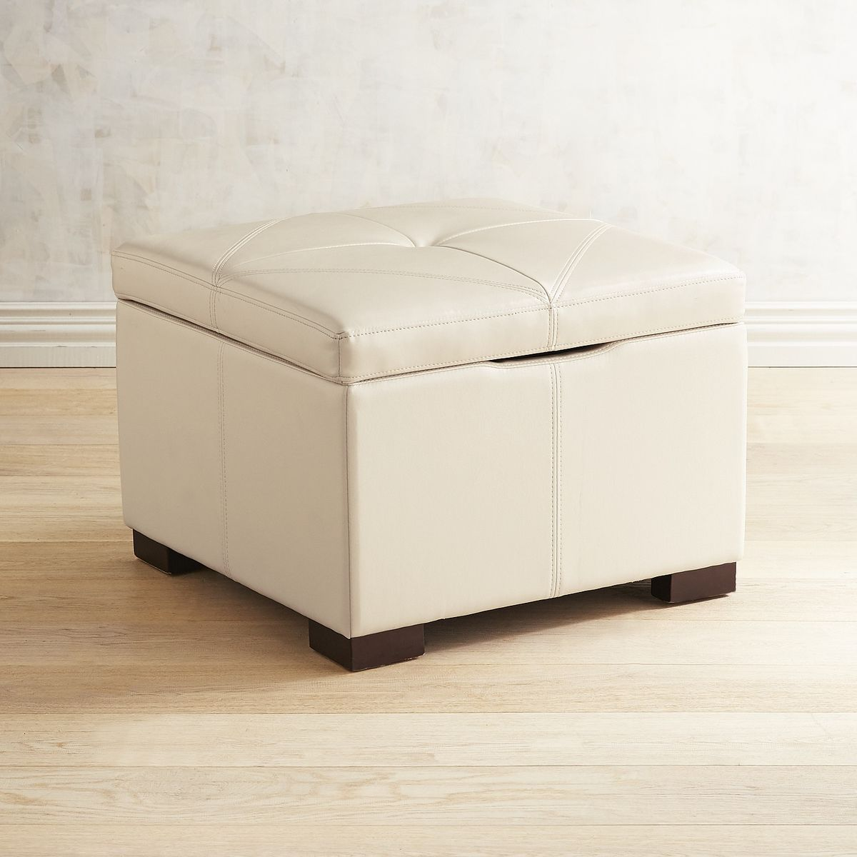 reviews of stylish storage benches and