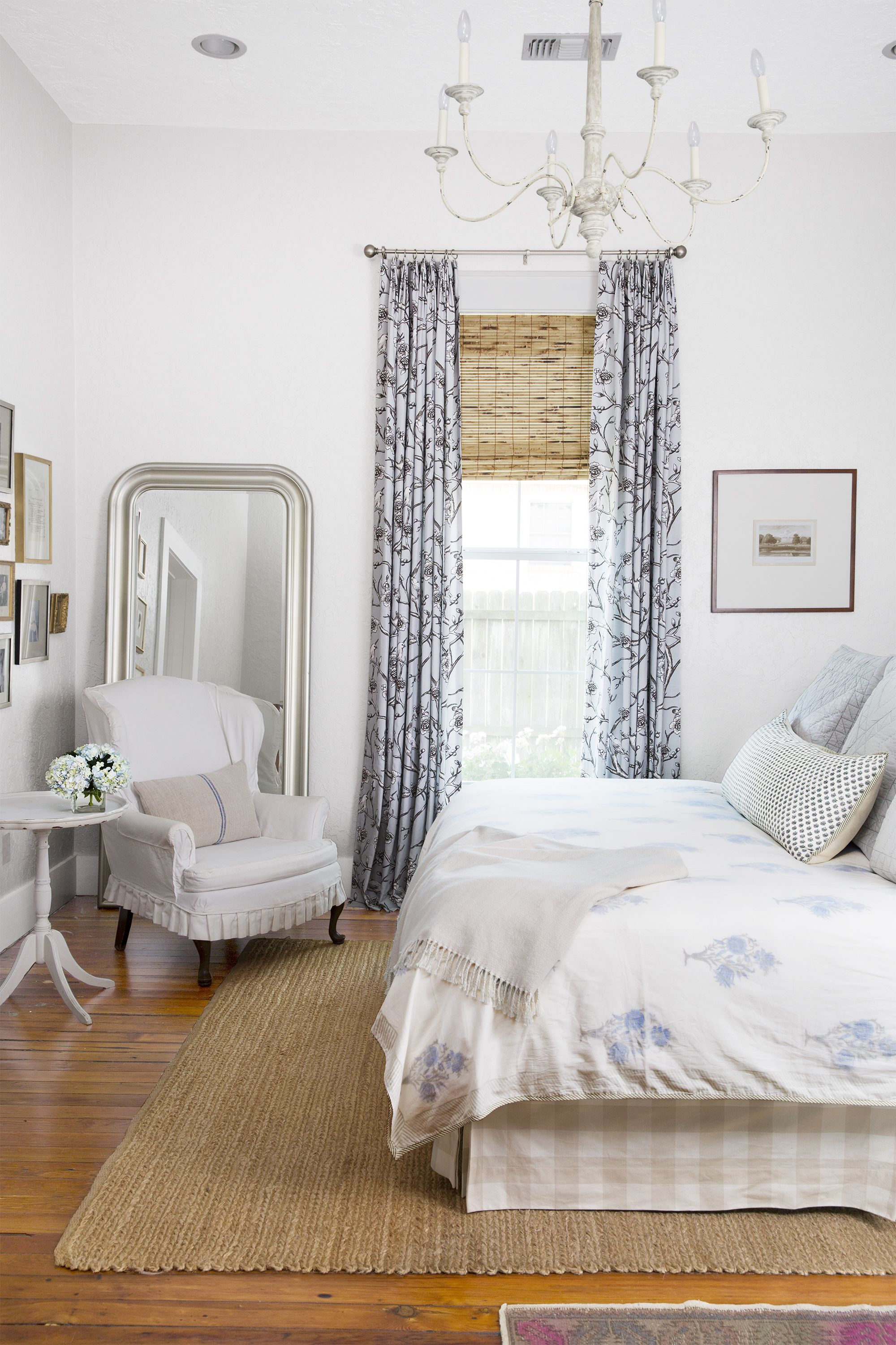 28 Best White Bedroom Ideas   How to Decorate a White Bedroom image