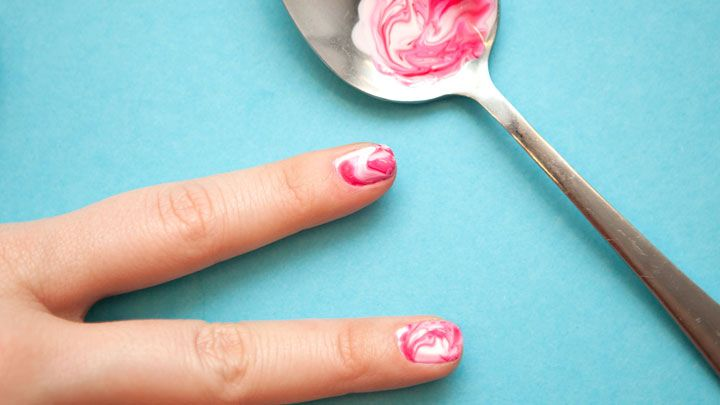13 Life Changing Beauty Tricks You Had No Idea Could Do With A Spoon