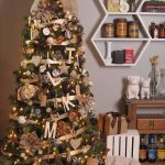 20 Brilliant Ways To Add Ribbon To Your Christmas Tree
