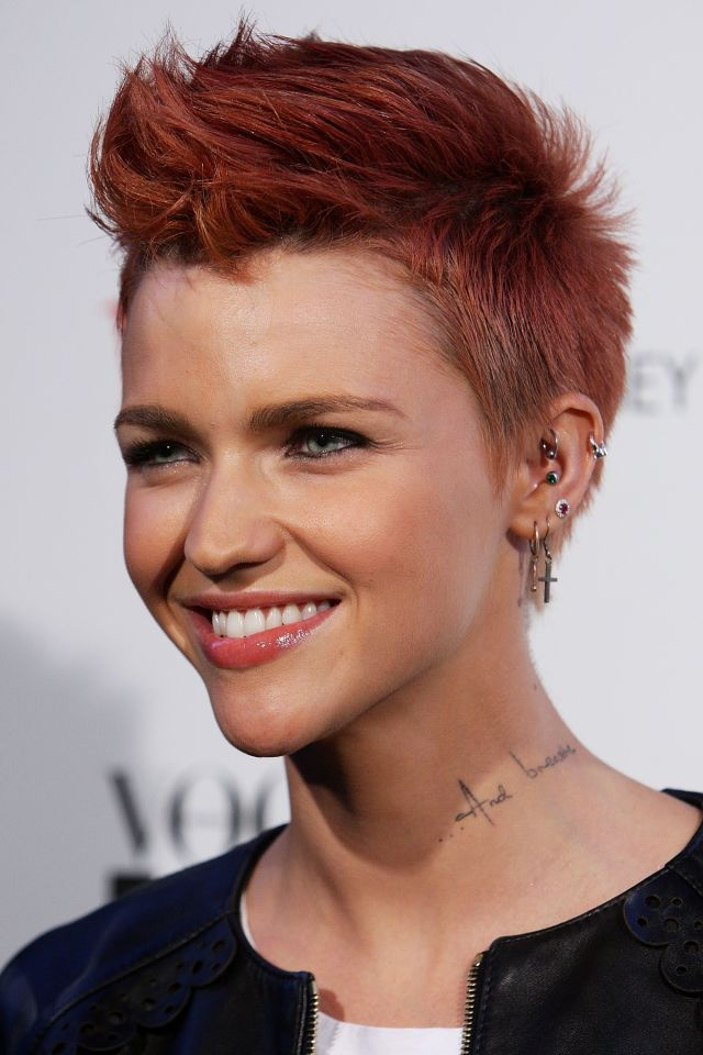 ruby rose long and short hair, beauty and makeup looks