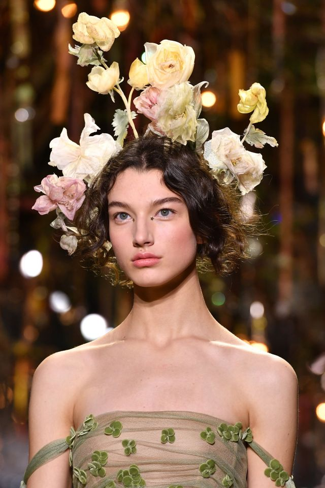 dior couture hairstyles for spring and summer 2017 - flower