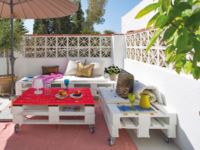 salón en la terraza muebles de palés