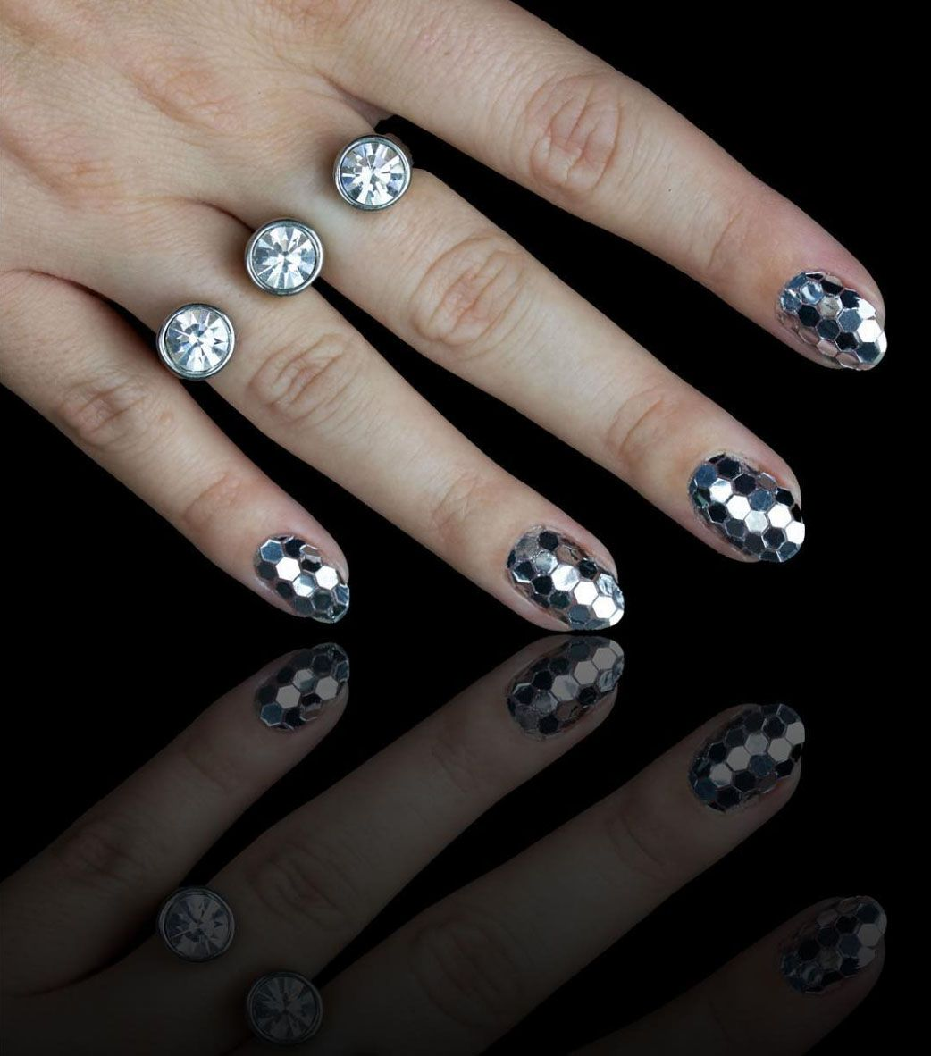 15 Best New Years Eve Nail Art Ideas Nail Designs For A New Years Manicure