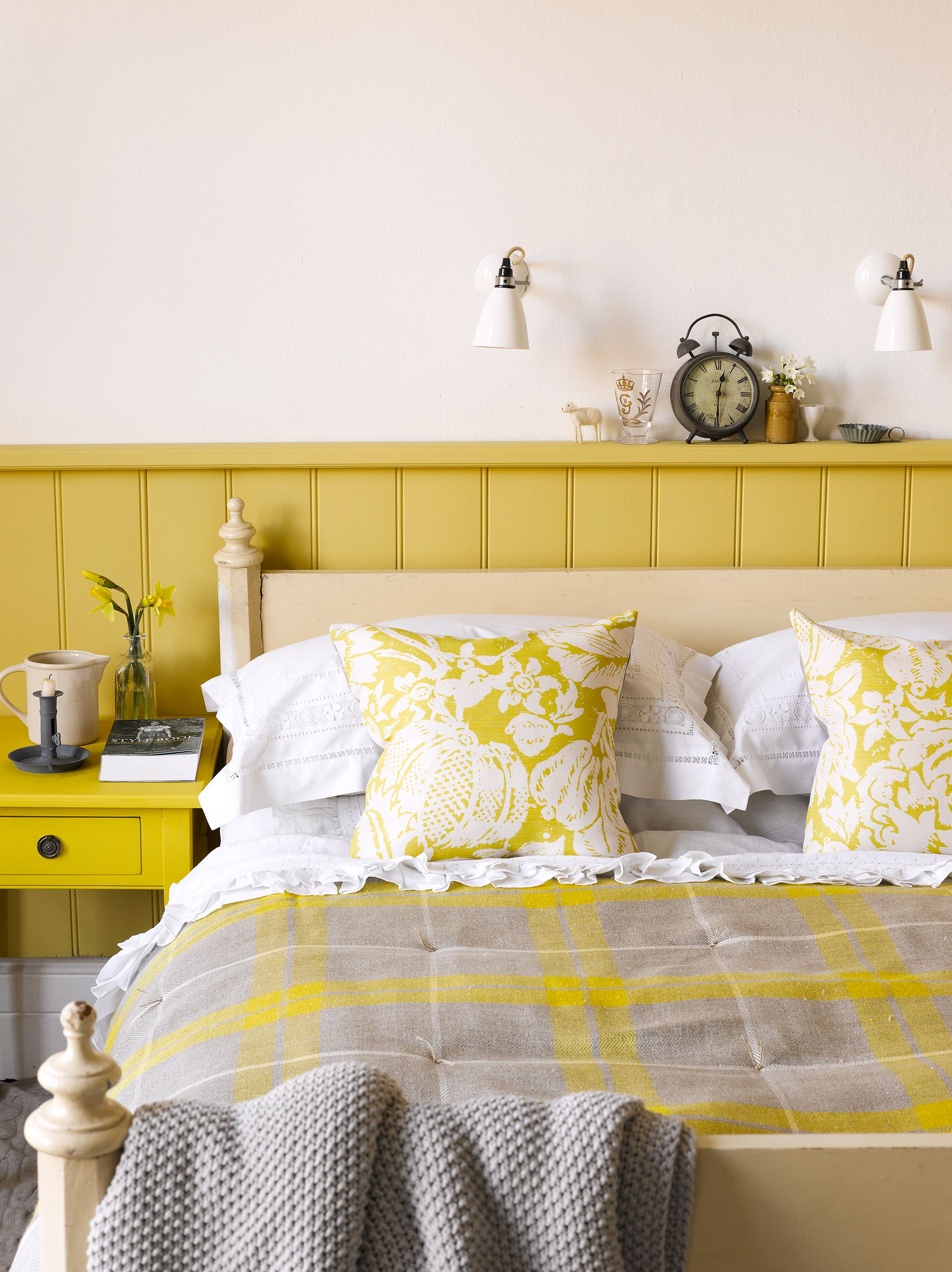 chic ideas for yellow bedroom decor