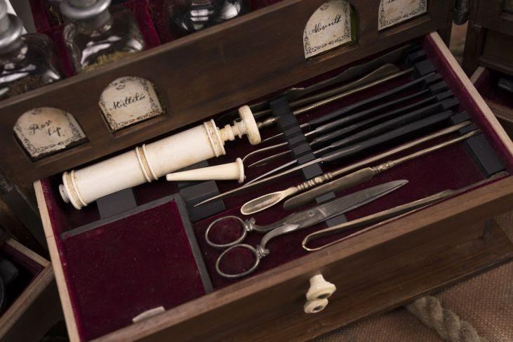 Claire Fraser's medicine box