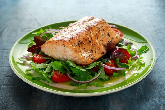 10 Healthiest Fish to Help You Hit Your Weight-Loss Goals - Best Healthy  Fish
