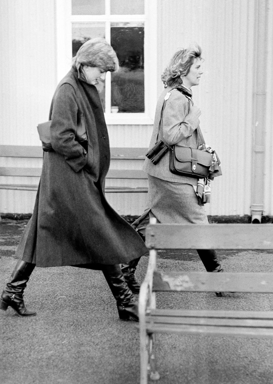 14 Photos of Camilla Parker Bowles as a Young Woman ...