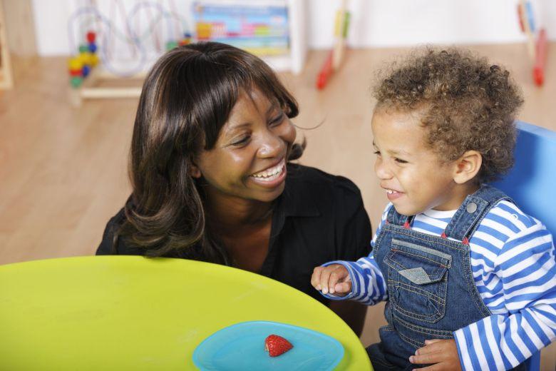 Veri modi per fare soldi a casa - Baby sitter