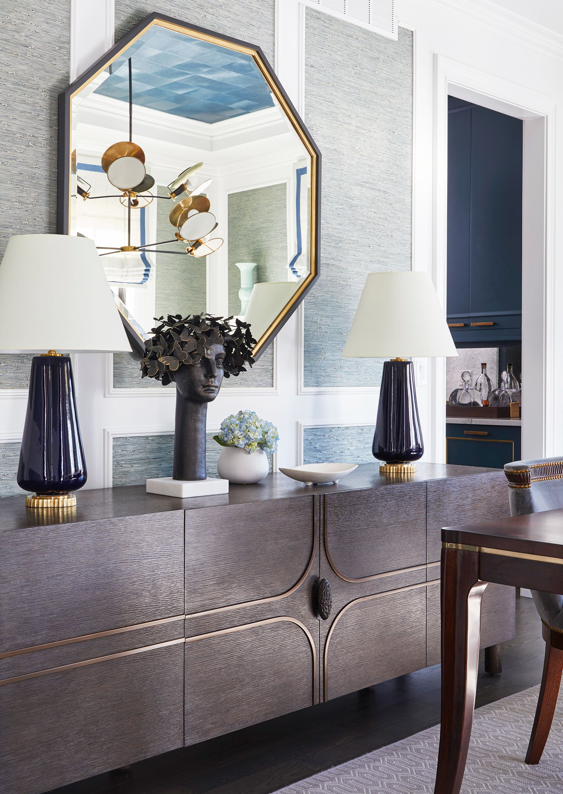 19 console table decorating ideas for