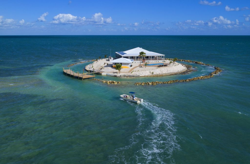 You And Five Friends Can Rent A Private Island In Florida For  A Night This November