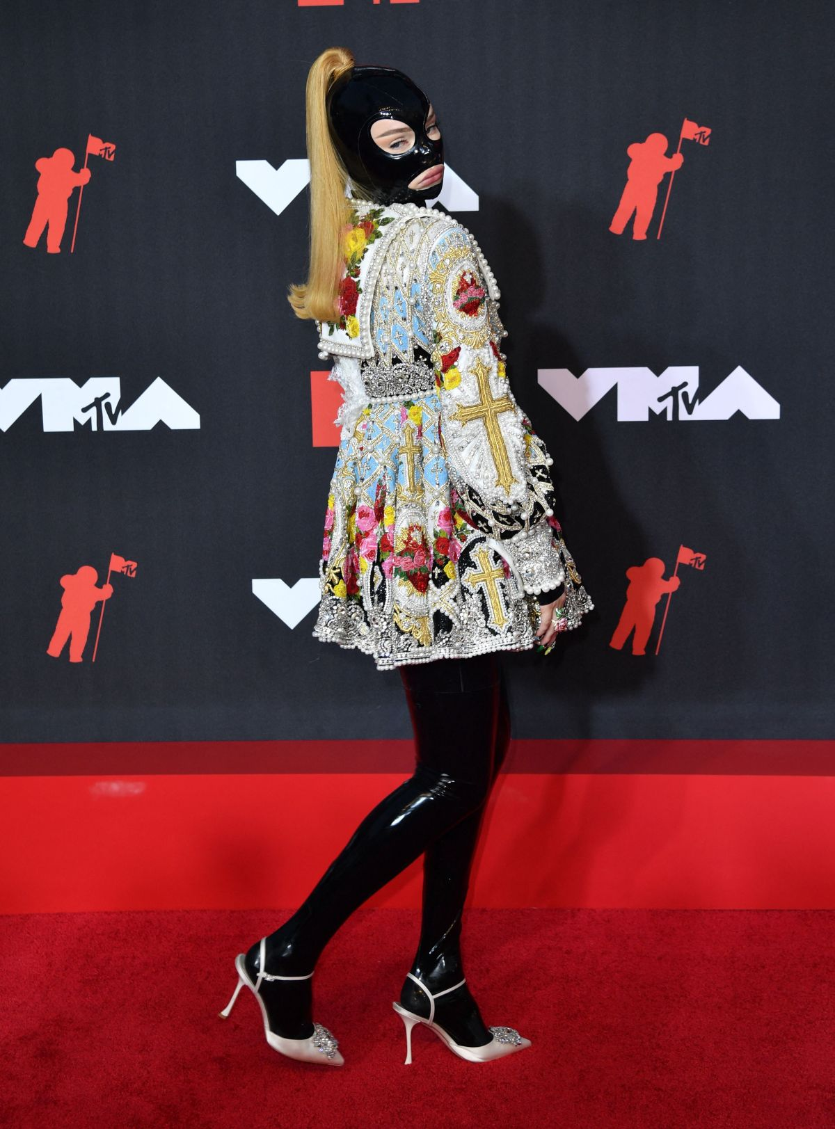 mtv music video awards red carpet kim petras