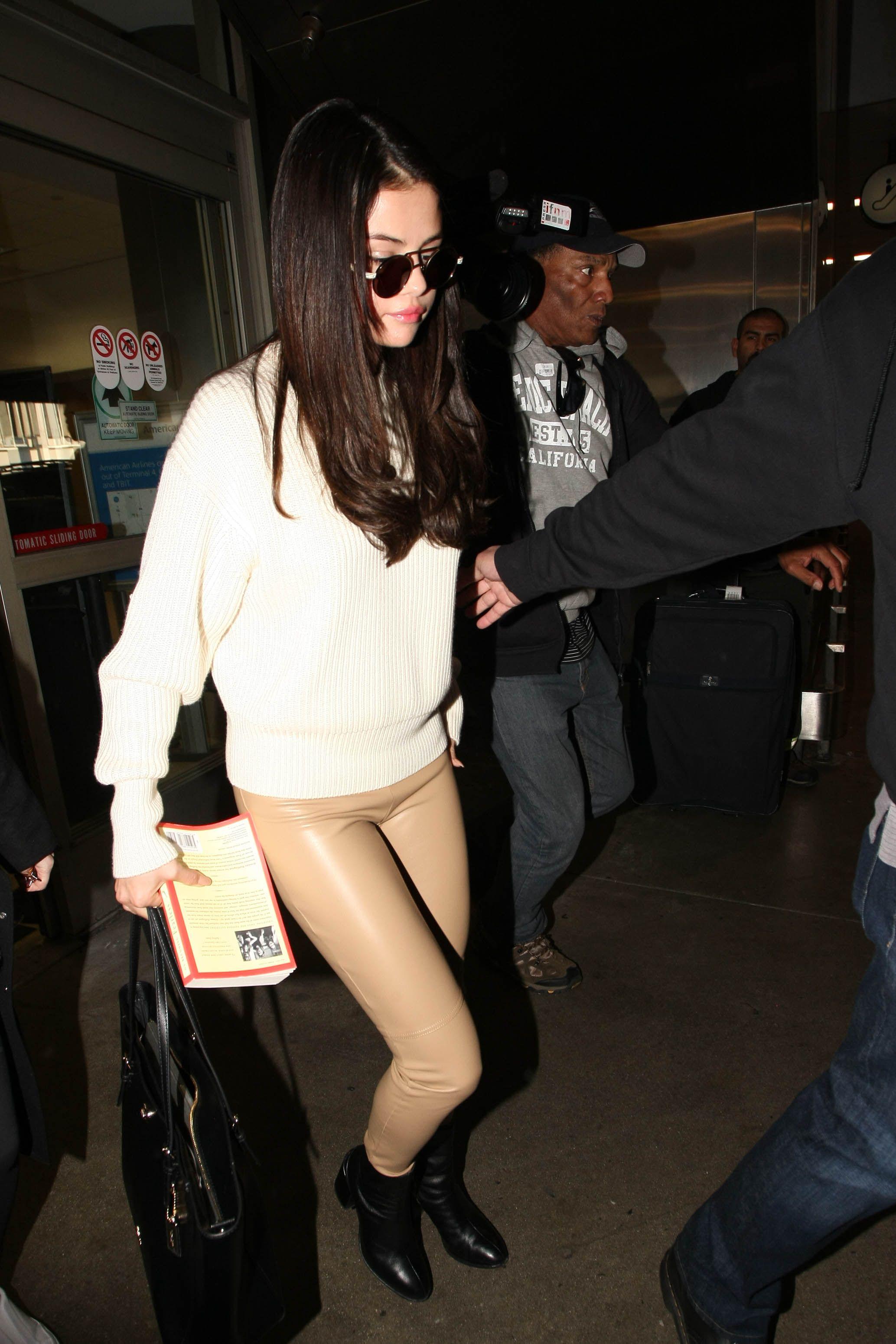 Selena Gomez S Nude Leather Leggings Make It Look Like She