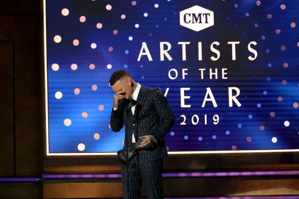 Country Singer Kane Brown Breaks Down on Stage While Paying Tribute to His Late Drummer