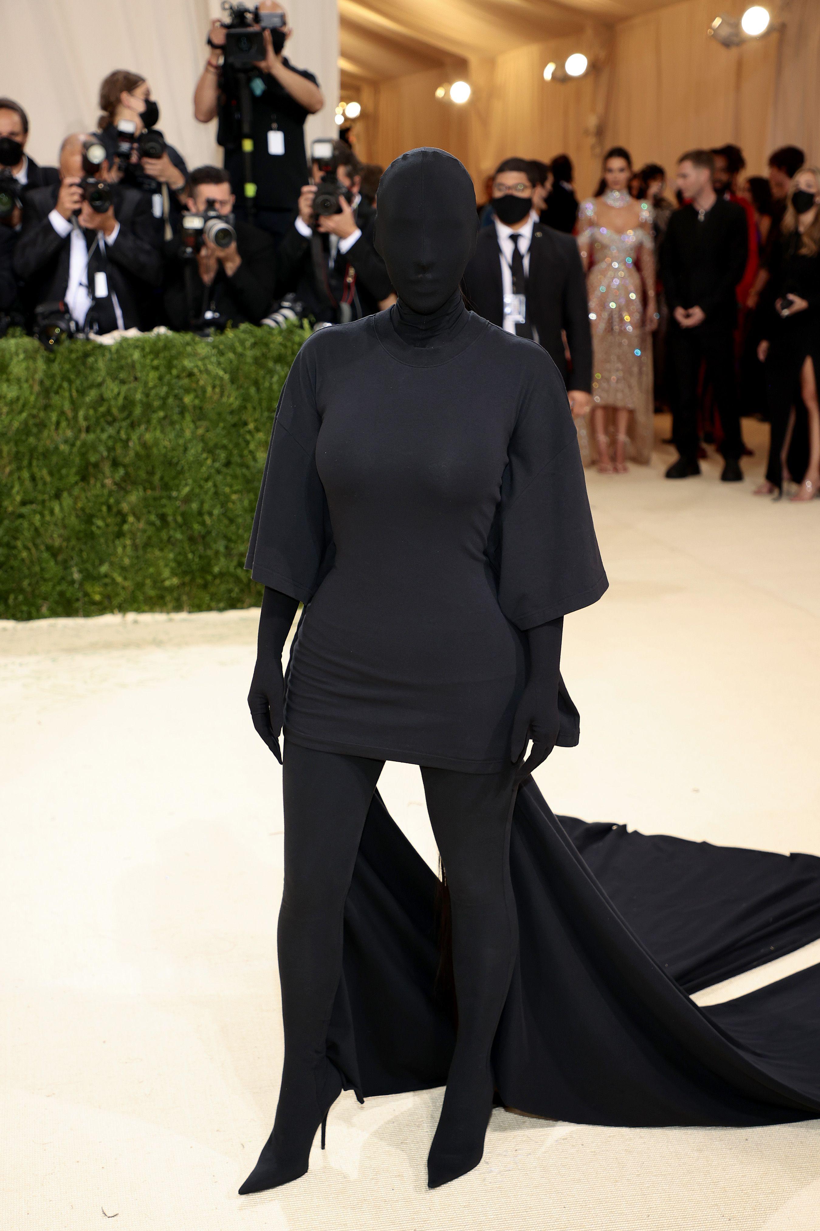 gala 2021 u takua duke festuar në Amerikë një leksik të arritjeve të modës Kim Kardashian