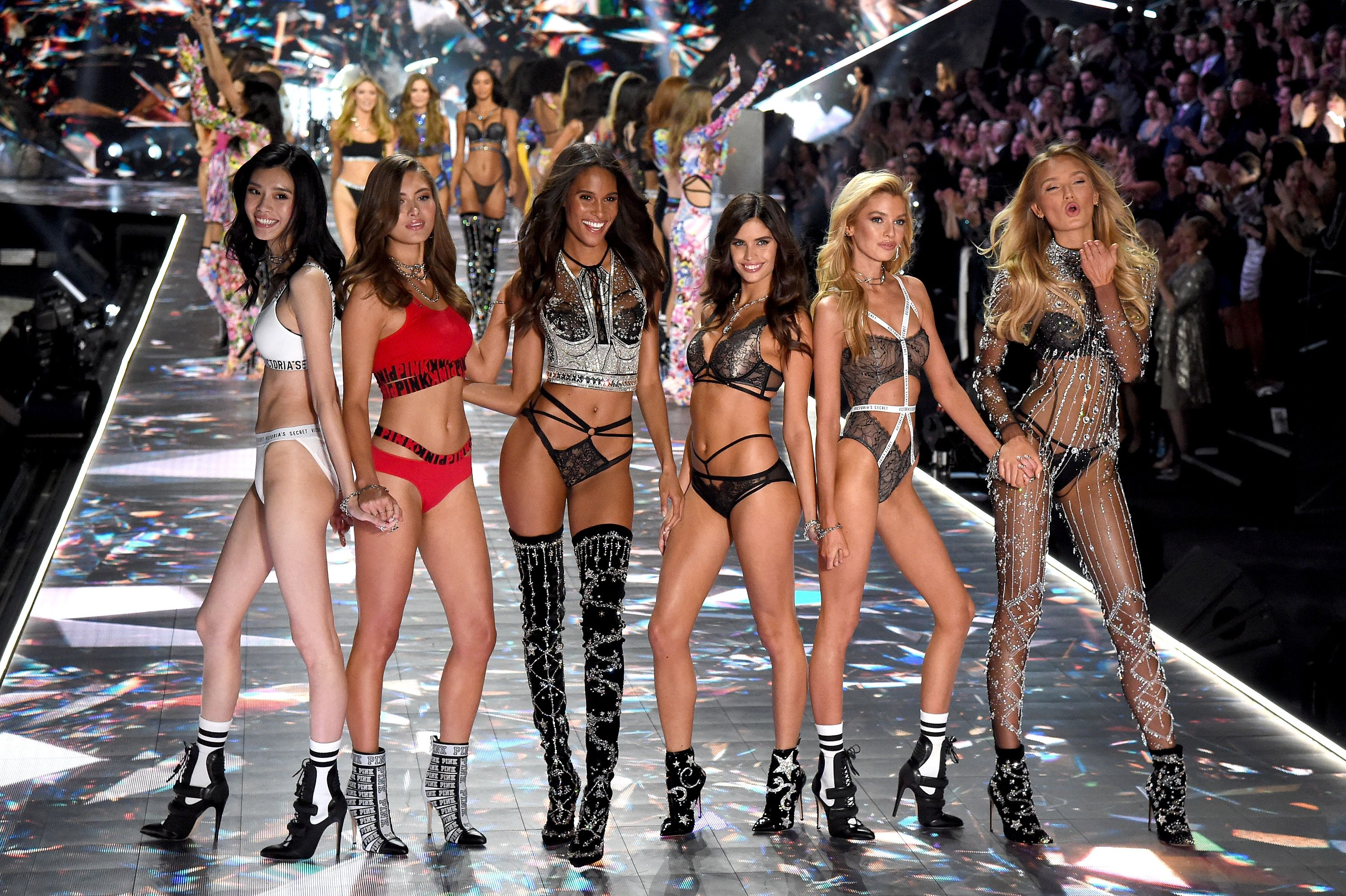 All Victorias Secret Fashion Show 2018 Models Looks From