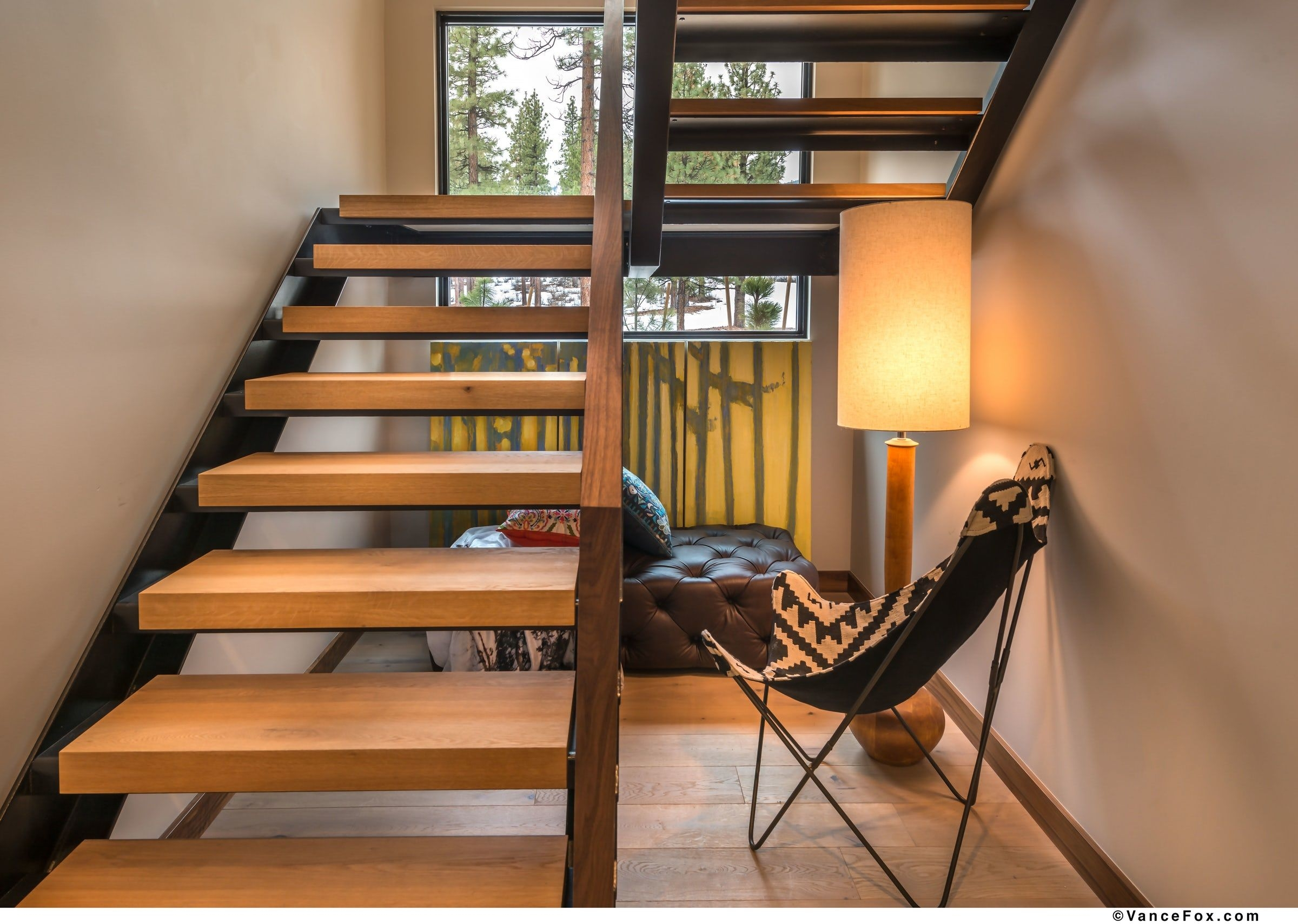20 Striking Open Stairs Modern Open Staircase Design Ideas | Two Tone Wood Stairs | Timber | Partially Carpeted | White Back | Diy | Rug