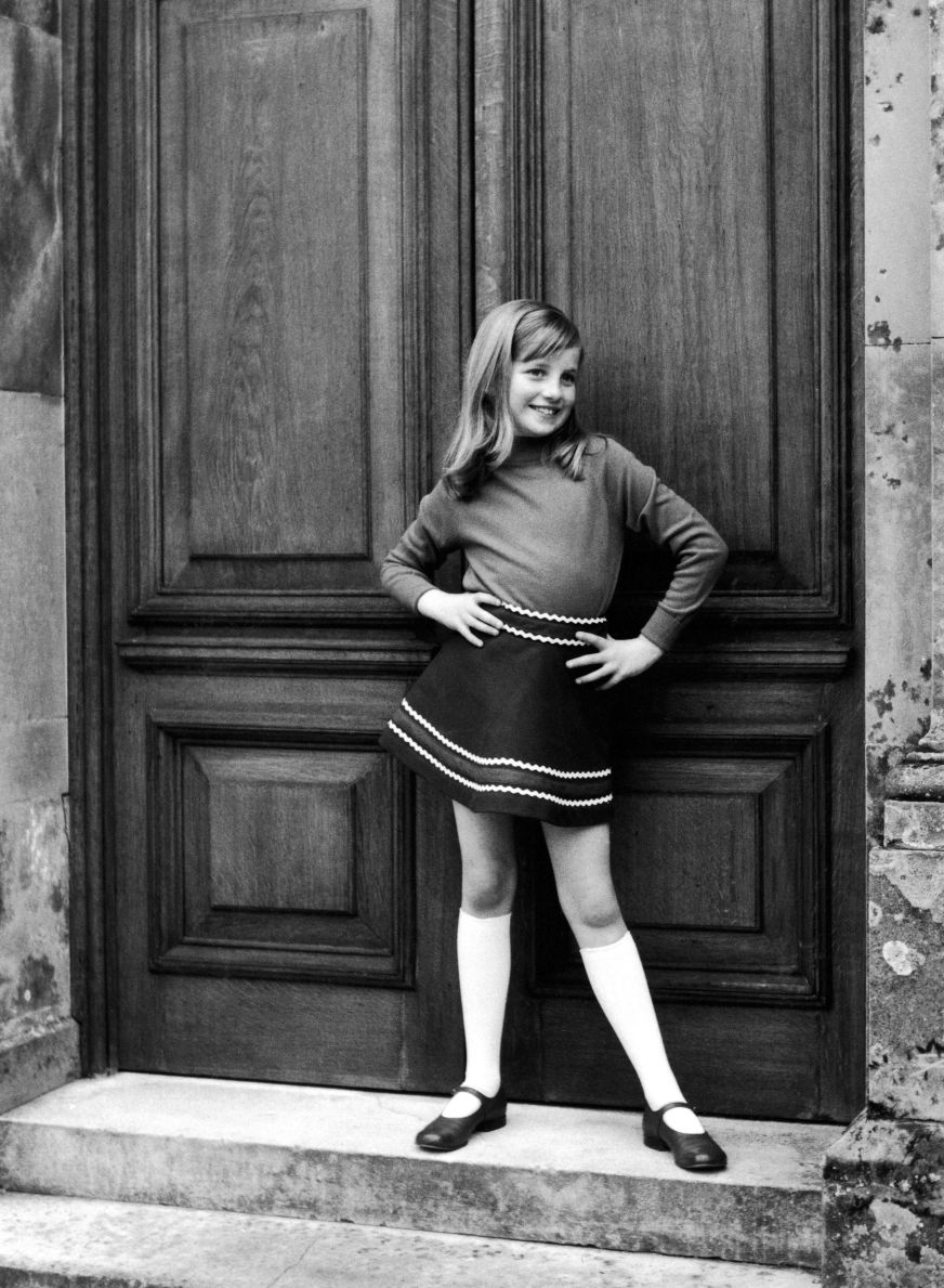Photos of Princess Diana's Childhood - New Book About ...