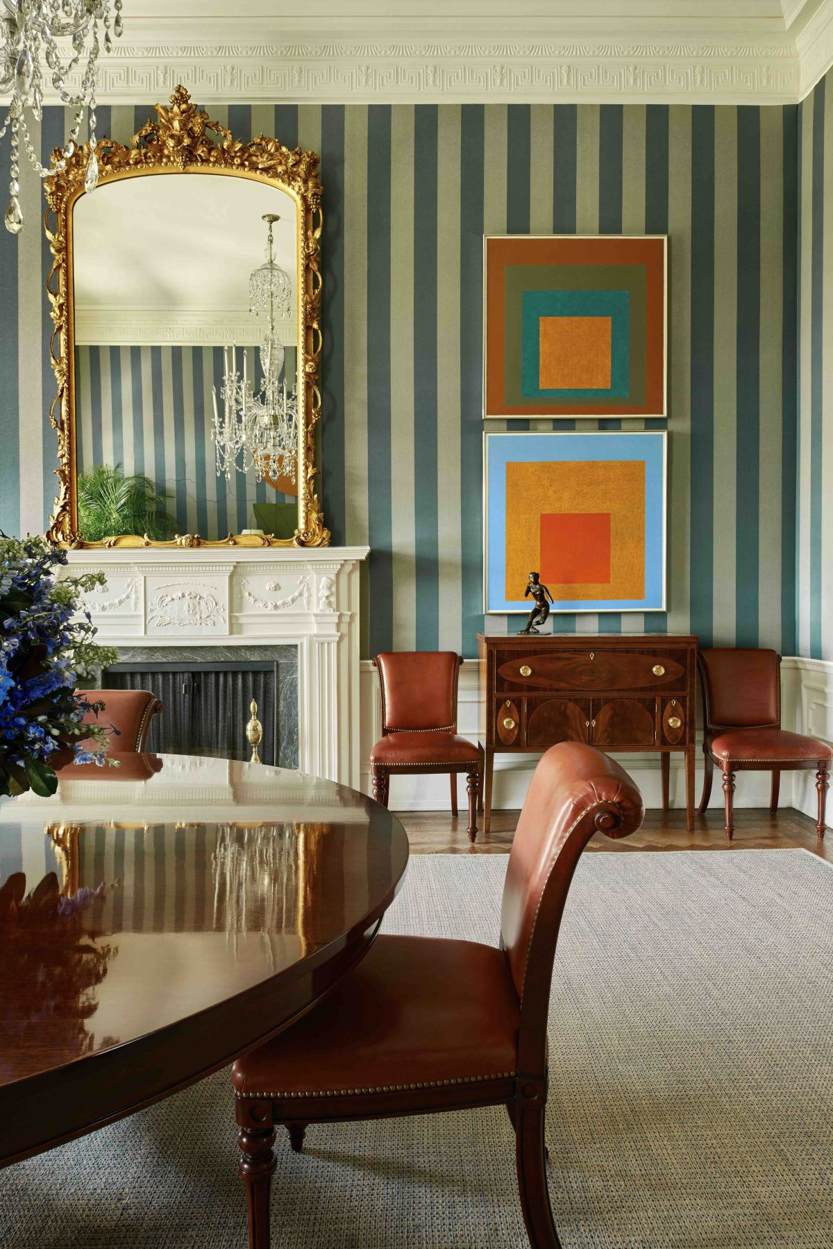 Designing History. The Extraordinary Art & Style of the Obama White House, by Michael S. Smith (Foreword by Michelle Obama). Rizzoli.