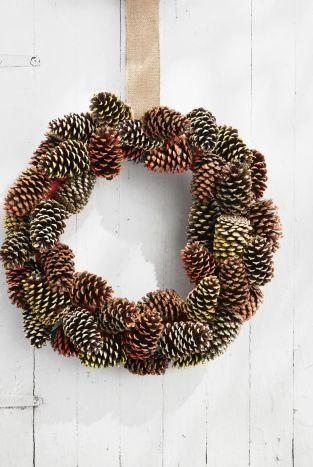 pine cone wreath fall crafts