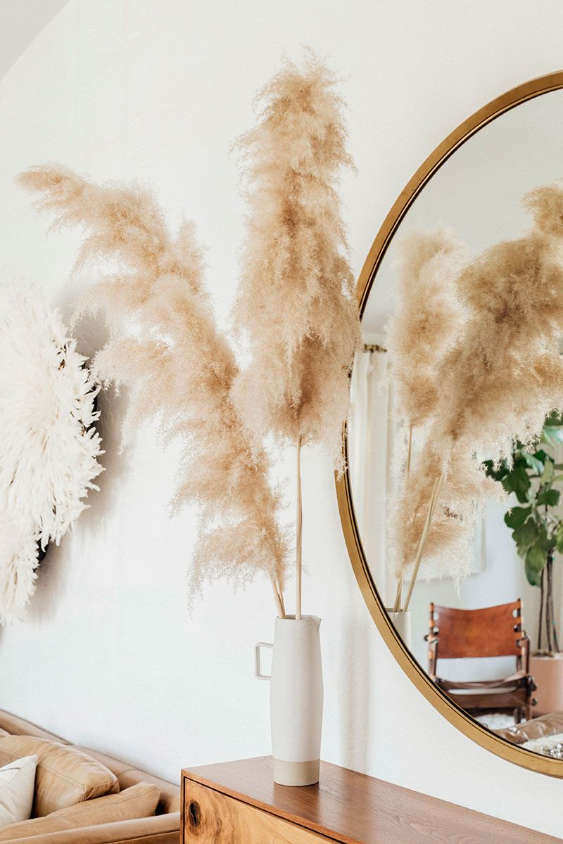 decorate with pampas grass