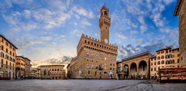 Piazza della Signoria a Firenze, 10 curiosità che ancora non sai