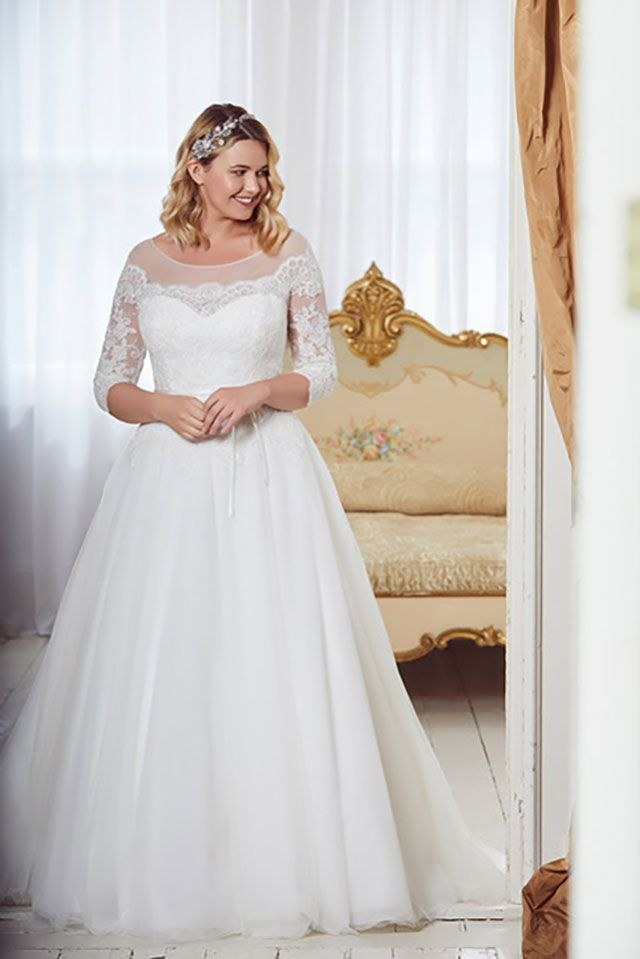 c703575e4 The 9 Best Plus Size Wedding Dress Shops In The Uk