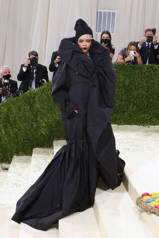 2021 u takua me gala duke festuar në Amerikë një leksik të modës Rihanna