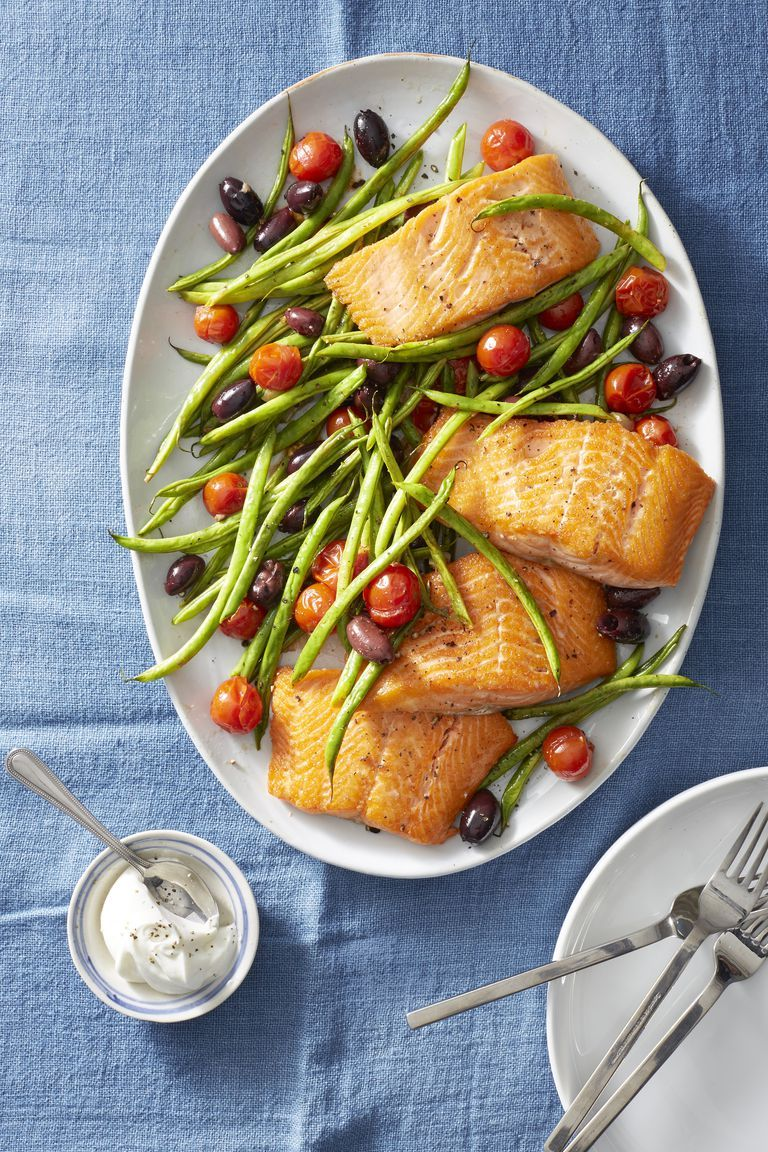 roasted salmon with green beans and tomatoes healthy lunch ideas 1555338056 - Healthy Things to Eat for Lunch -19 Healthy Lunch Ideas for You