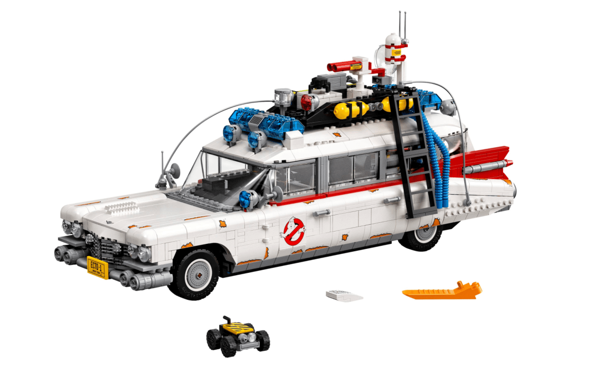 Lego ECTO-1 Offers a Deluxe Ghostbusters Build Experience