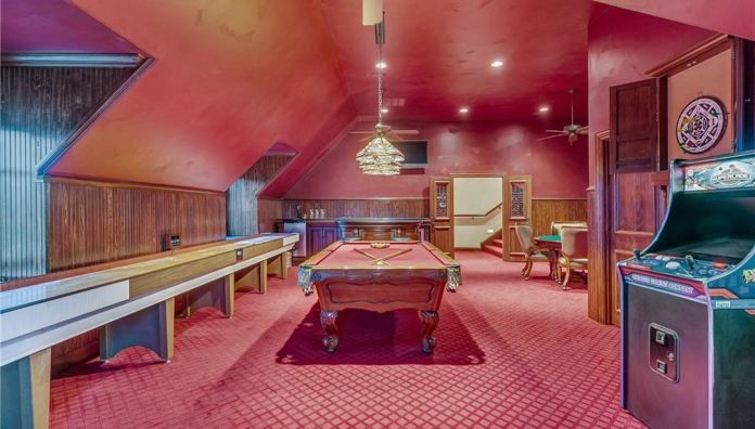 Selena Gomez Fort Worth, Texas Mansion Game Room