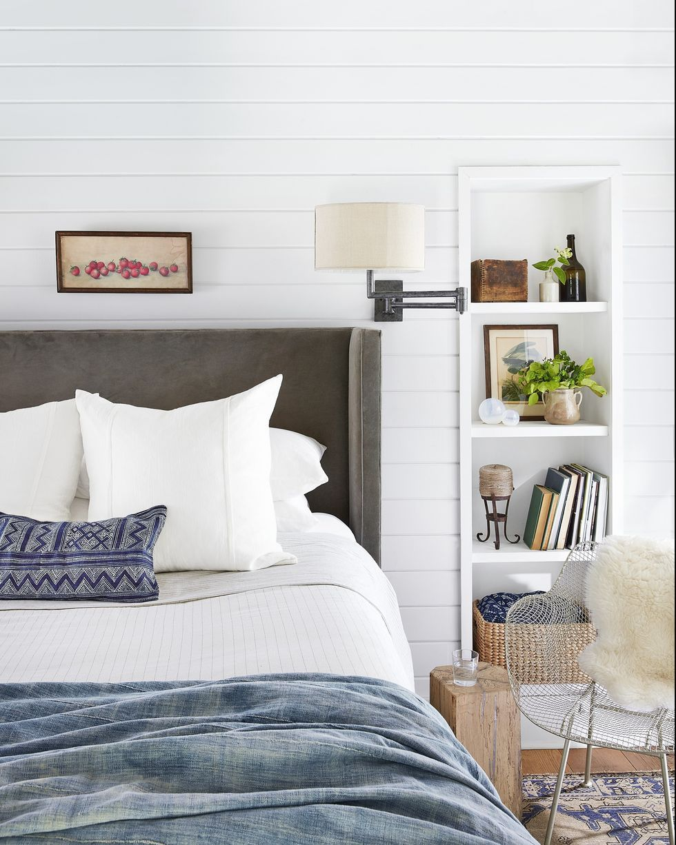 small bedroom ideas built-in bookcase
