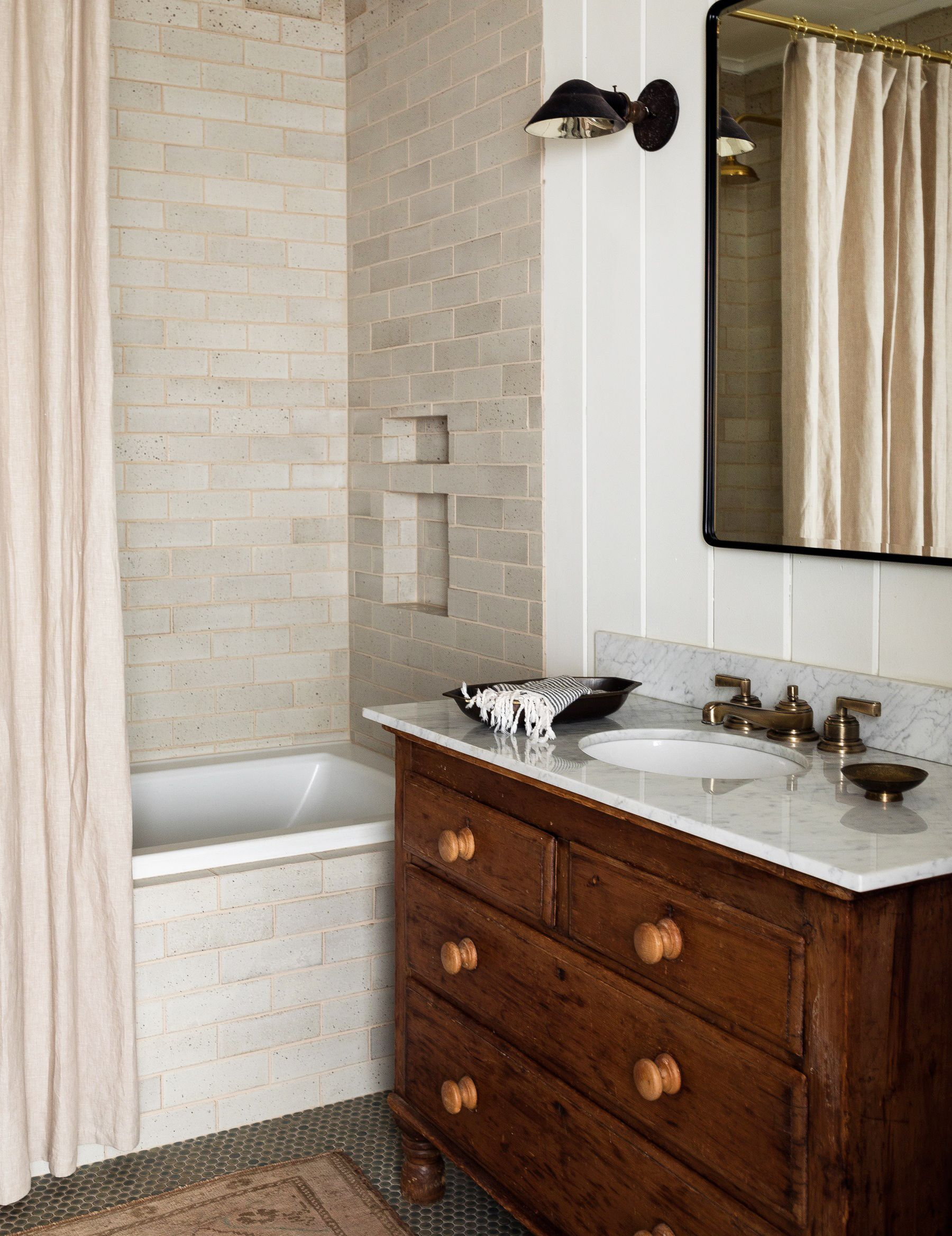 15 Best Subway Tile Bathroom Designs In 2019 Subway Tile