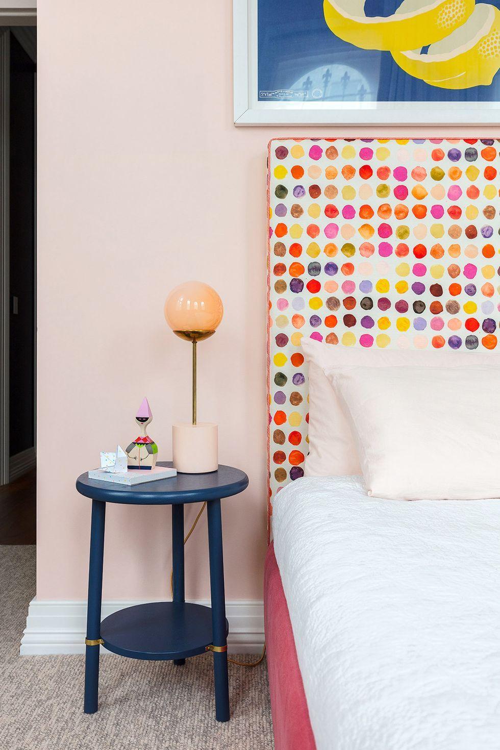 teen bedroom ideas - statement headboard