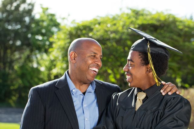 What to Write in a Graduation Card - 25 Messages and Wishes for
