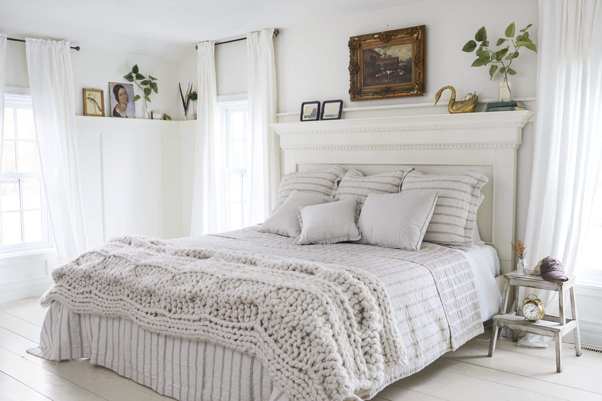 45 Best White Bedroom Ideas How To Decorate A White Bedroom