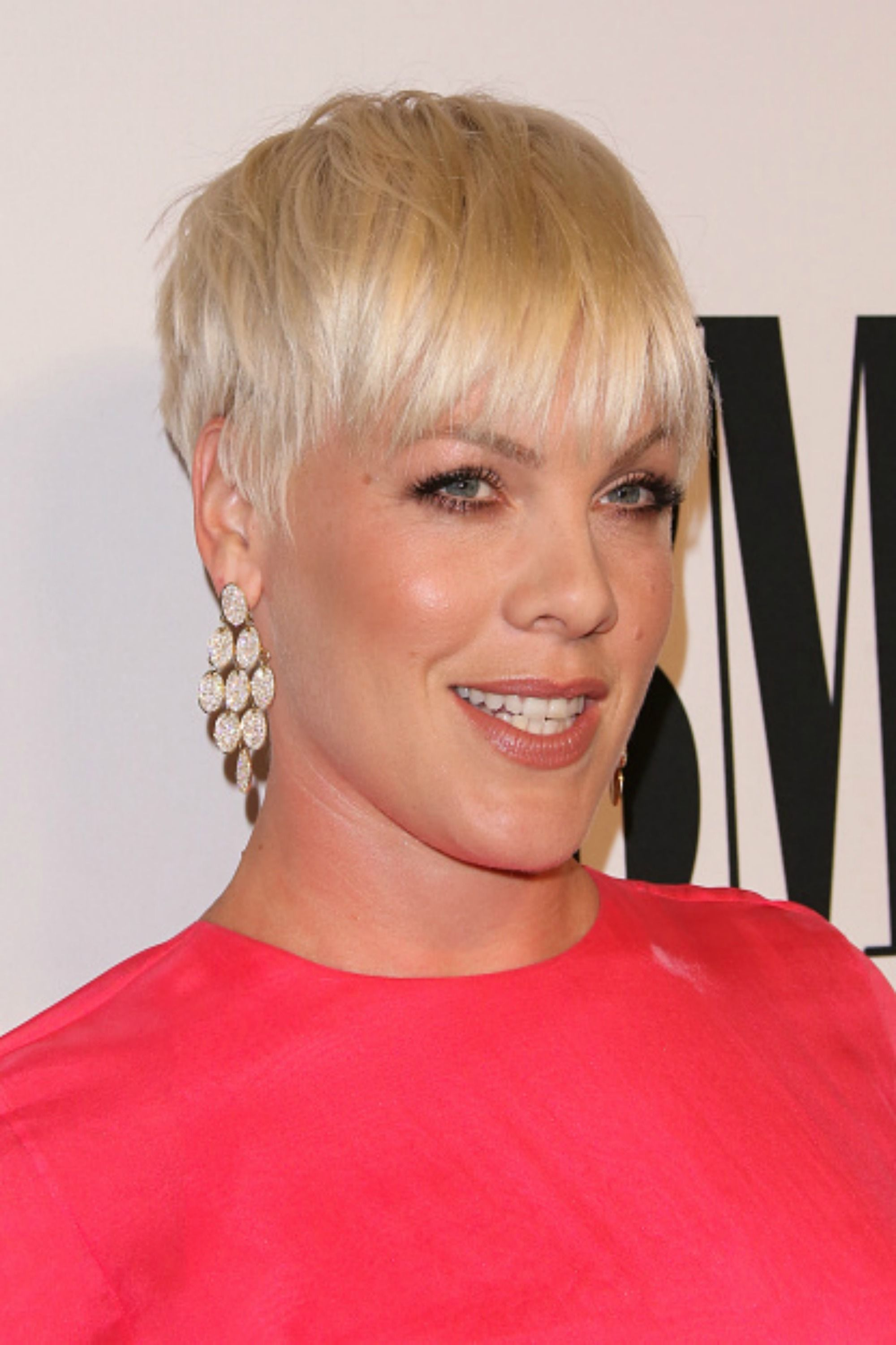 30 Short Hairstyles For Thick Hair 2017 Womens Haircuts