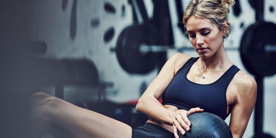 Resultado de imagen para woman training in gym