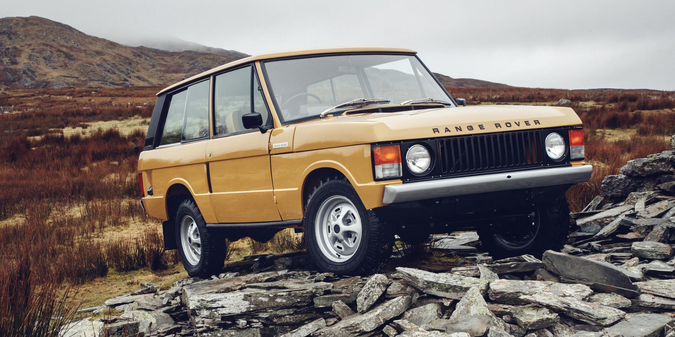 Land Rover Will Sell You a Restored Classic Range Rover for $170 000