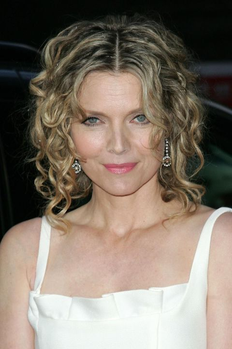 Curly Hairstyles - Michelle Pfeiffer