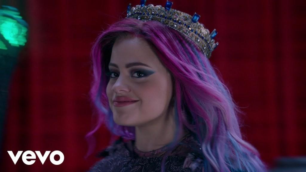 Sarah Jeffery – Queen of Mean (Video)