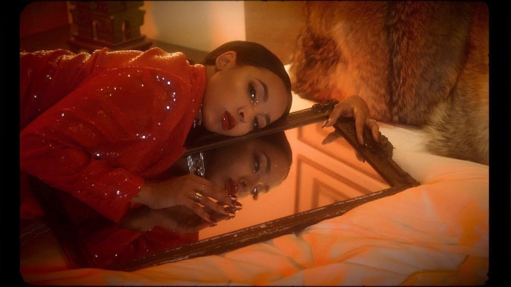Tinashe – So Much Better ft. G-Eazy (Video