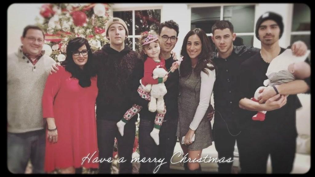 Jonas Brothers – I Need You Christmas