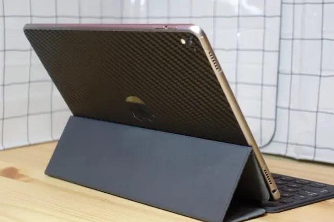 iPad Pro 9.7インチ「スキンシール」!かなりカッコイイ件!!